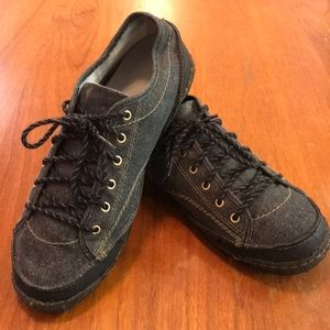 Simple men's Navy Fabric Casual Sneaker Shoe